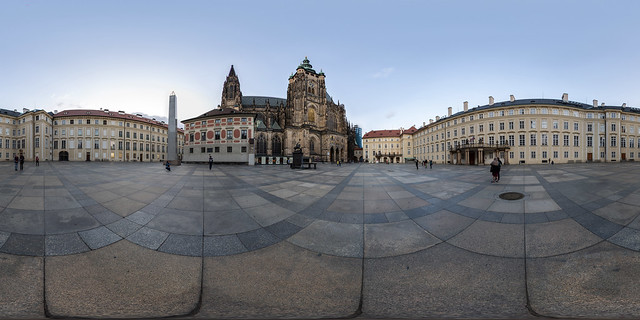 Dritter Hof der Prager Burg (360 x 180)