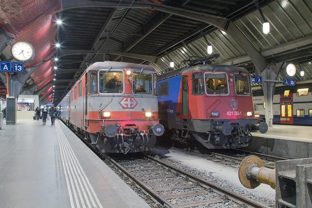 SBB Re 4/4 420 108 + 420 383 Zürich Hbf