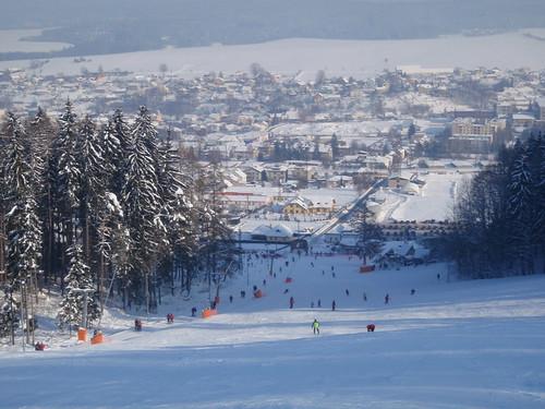 Využijte 300 bodový skipas s 50 % slevou v lyžařském areálu PEKLÁK na denní i večerní lyžování!