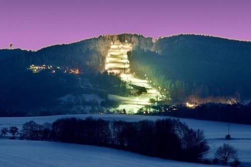 Večerní skipas do skiareálu MONÍNEC s 25% slevou