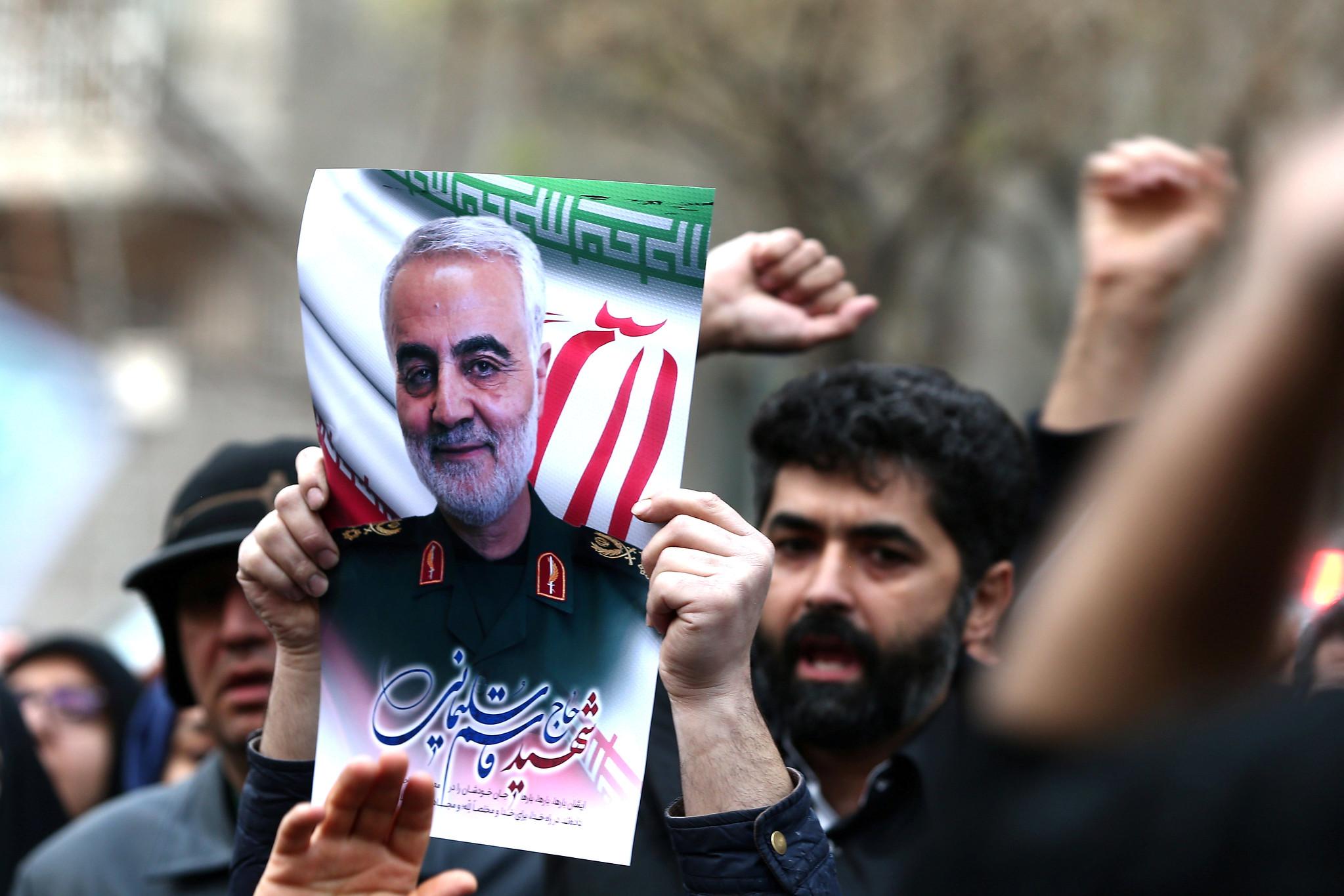 伊朗示威者抗議美國殺害伊朗將領蘇萊曼尼。(圖片來源:Nazanin Tabatabaee/West Asia News Agency)