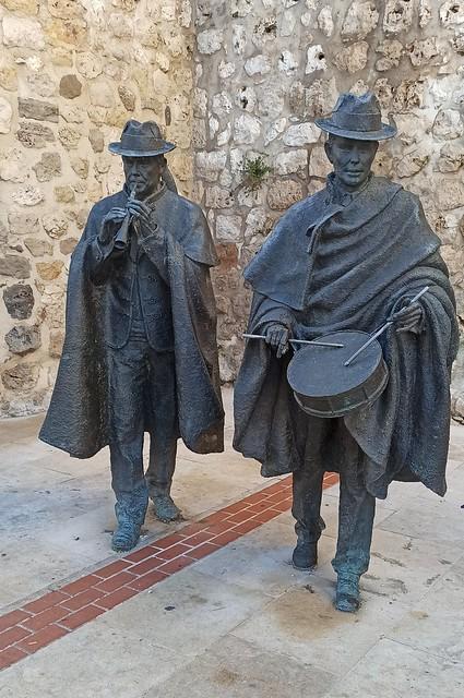 Gaitero y tamborilero (Burgos, Castilla y León. España, 7-1-2020)