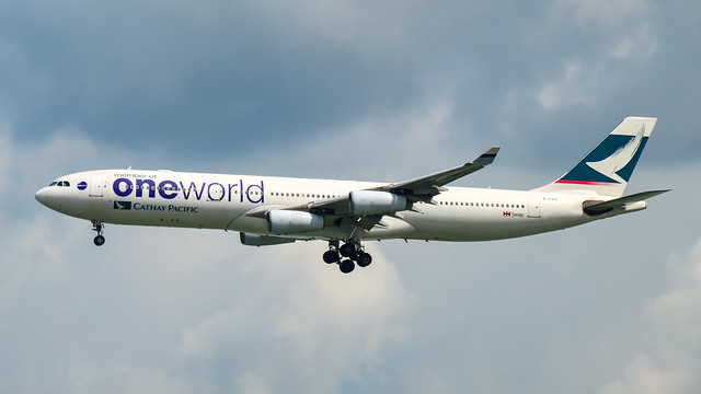 Cathay Pacific   Airbus A340-300   B-HXG   Oneworld Livery   150829
