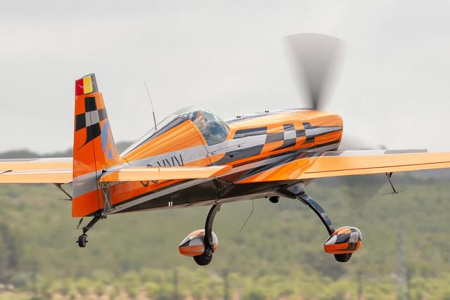 Extra EA-330SC  OO-VVV