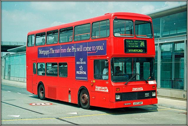 Stagecoach East London S37 (J137 HMT)
