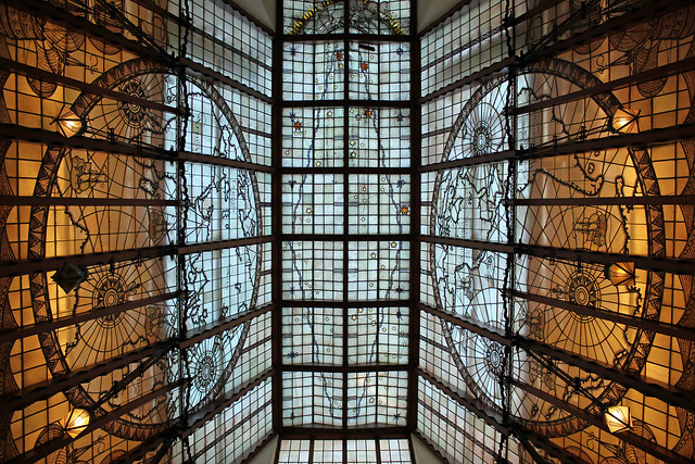 Amsterdam, The Shipping House (Scheepvaarthuis); enclosed stained-glass ceiling