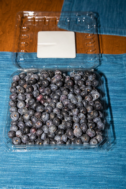 2020-016 Clamshell of Fresh Blueberries