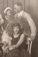REALITIES OF THE TWENTIES* Photo impressions of the 1920s