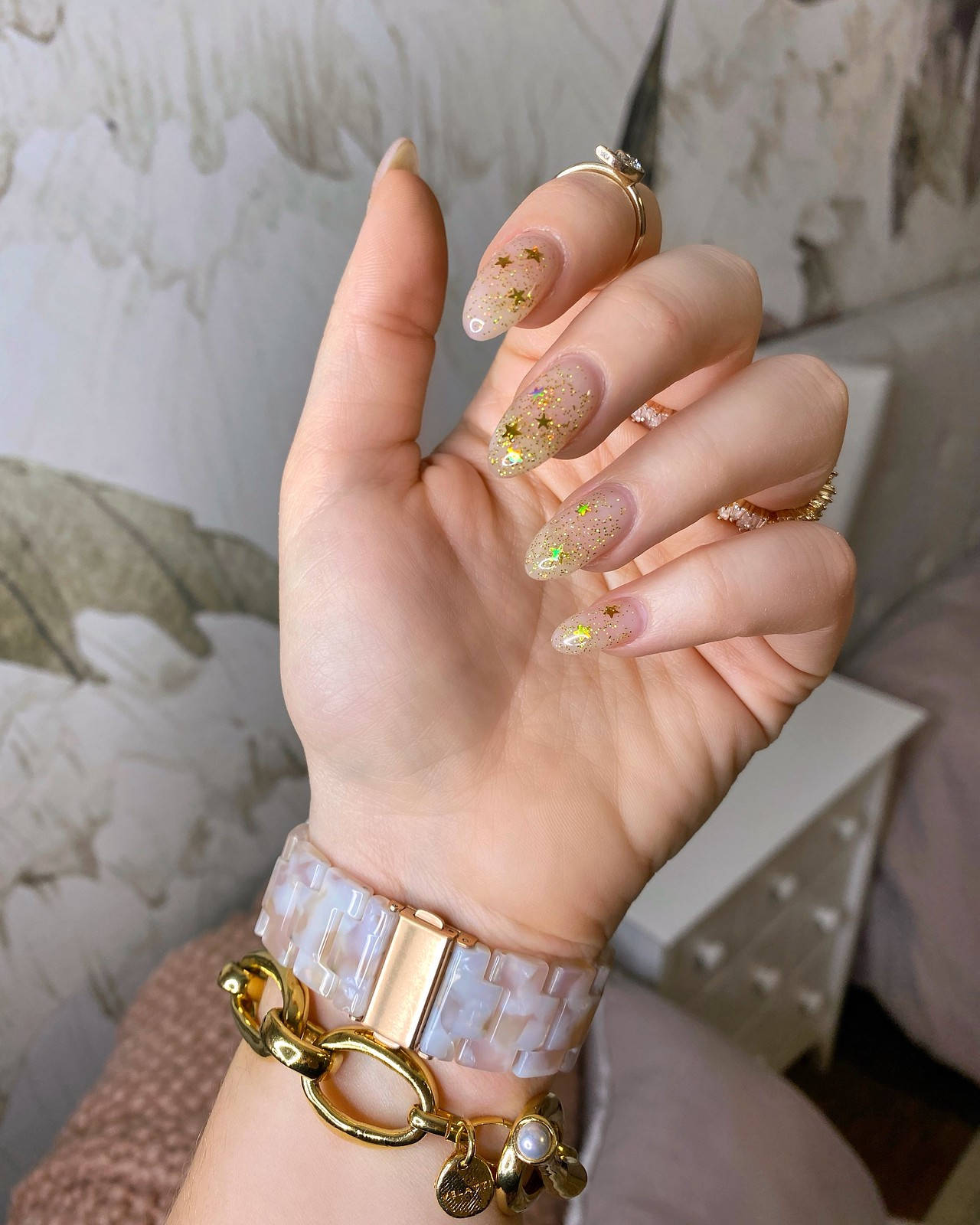 Gold Glitter Star Manicure | UV Gel Nails | Nail Spa Elmsford | Almond Nails | Nail Art Inspiration
