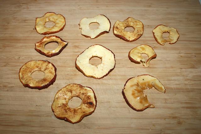 09 - Homemade apple crisps / Selbgemachte & -gedörrte Apfelchips