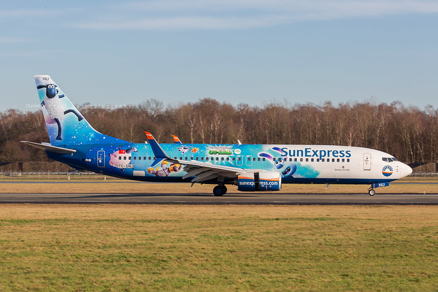 Sun Express Boeing 737-8HC(WL) TC-SNU Flickr-1
