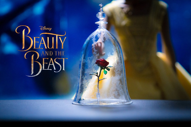 Belle - BEAUTY AND THE BEAST - HOT TOYS - 1/6