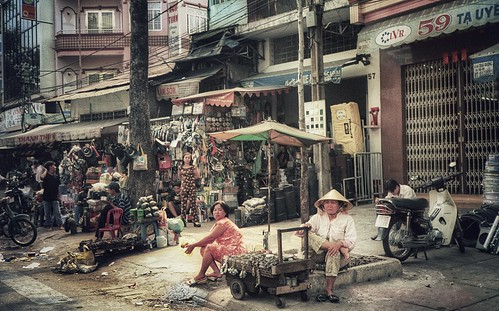 valterb view nikon nikkor shadow street travel trip tourism urban urbanphotography vietnam vintage city cityscape