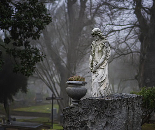 Side View of One of my favorite statues/monuments at Sacramento Historic City Cemetery