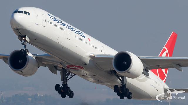 TLV - Turkish Airlines Boeing 777-300 TC-LJA