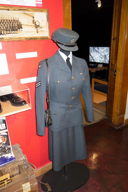 Canadian Women's WWII dress uniform