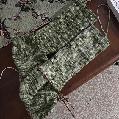 Sandi is away but still joining in with our Thursday Knit Night from afar! Here are the Basic Ribbed Socks by Kate Atherley that she has on her needles!