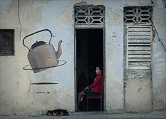 Let's put the Kettle on. Murals in Havana.