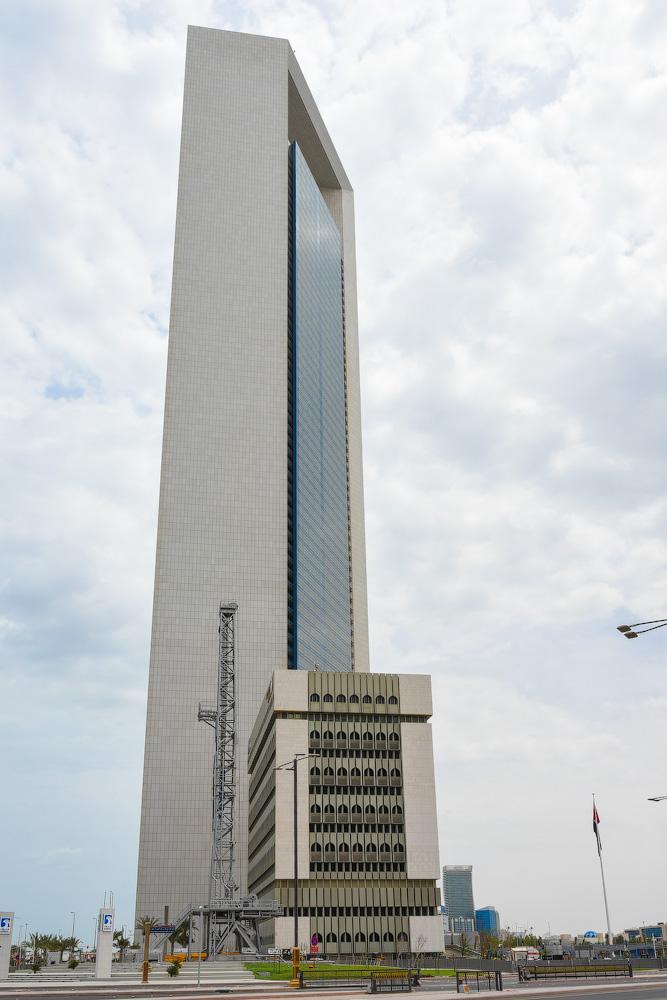 АБУ-ДАБИ: БУДНИ И ПРАЗДНИКИ НЕФТЯНОЙ АРХИТЕКТУРЫ Abu-Dhabi-Architect-(28)