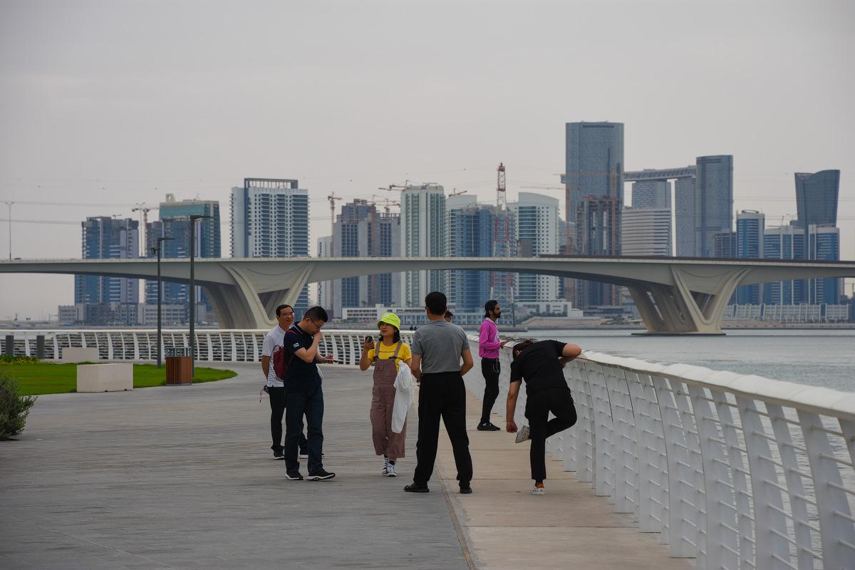 АБУ-ДАБИ: БУДНИ И ПРАЗДНИКИ НЕФТЯНОЙ АРХИТЕКТУРЫ Abu-Dhabi-Architect-(23)