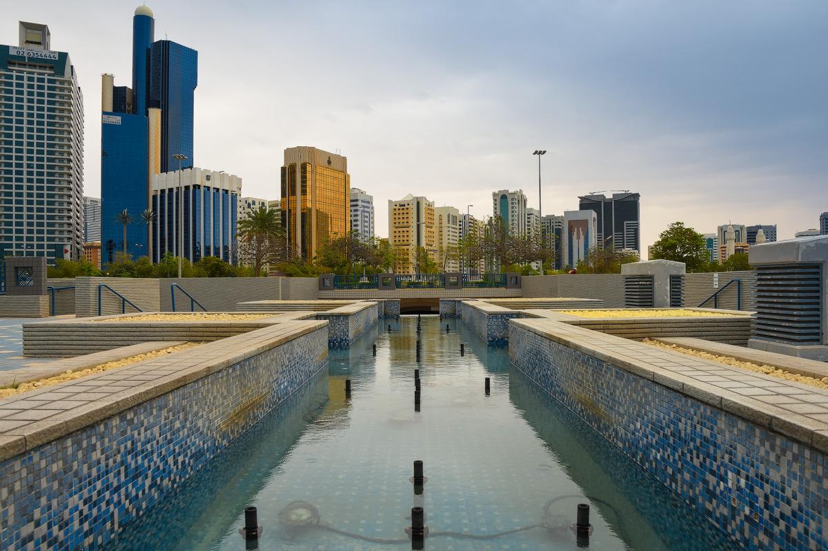 АБУ-ДАБИ: БУДНИ И ПРАЗДНИКИ НЕФТЯНОЙ АРХИТЕКТУРЫ Abu-Dhabi-Architect-(13)