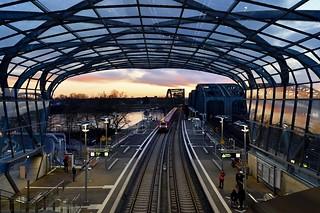 Hamburg; S-Bahn Haltestelle Elbbrücken