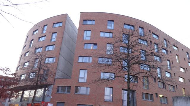 1999 Berlin Bundesschlange Wohnanlage gedacht für Mitarbeiter des Bundes von Georg Bumiller Joachim-Karnatz-Allee 1-43 in 10557 Moabit