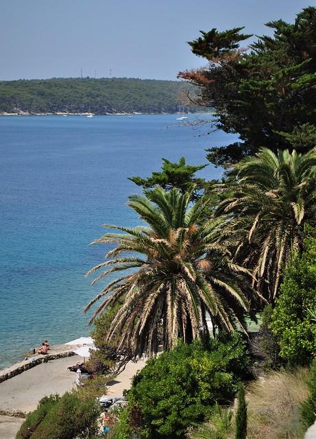Vue sur la presqu'île de Frkanj, Rab, île de Rab, Comitat de Primorje-Gorski Kotar, Croatie.