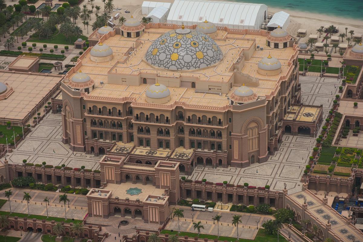 АБУ-ДАБИ: БУДНИ И ПРАЗДНИКИ НЕФТЯНОЙ АРХИТЕКТУРЫ Abu-Dhabi-Architect-(32)
