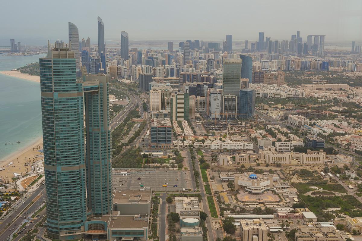 АБУ-ДАБИ: БУДНИ И ПРАЗДНИКИ НЕФТЯНОЙ АРХИТЕКТУРЫ Abu-Dhabi-Architect-(30)