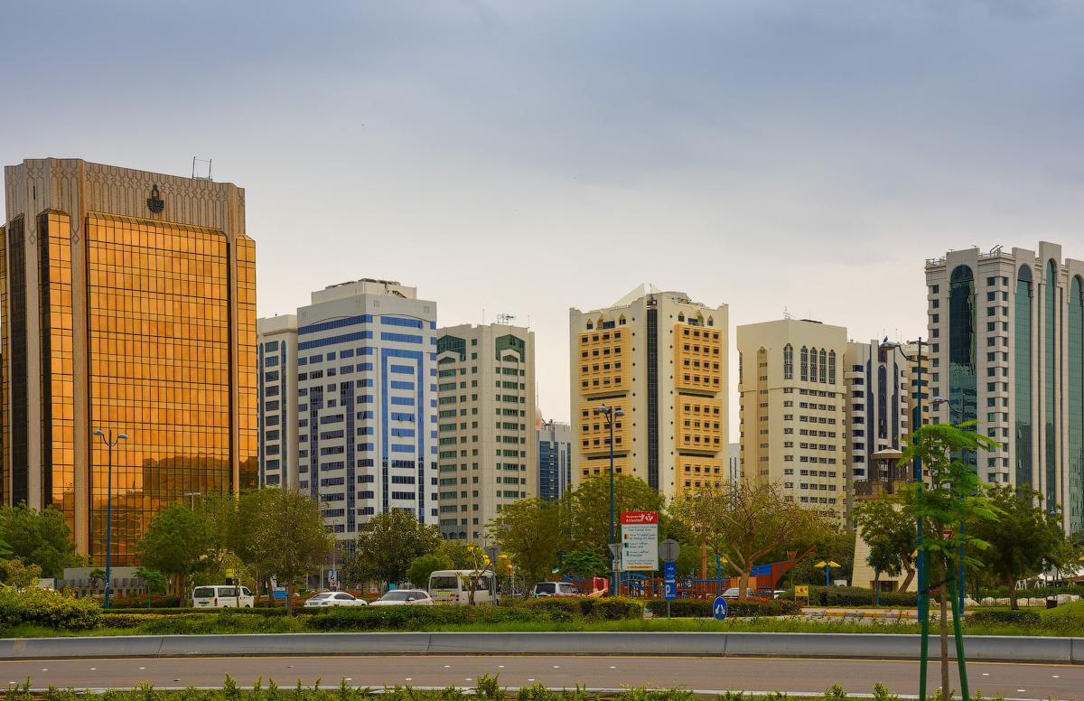 АБУ-ДАБИ: БУДНИ И ПРАЗДНИКИ НЕФТЯНОЙ АРХИТЕКТУРЫ Abu-Dhabi-Architect-(11)