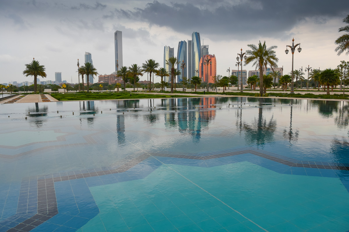 АБУ-ДАБИ: БУДНИ И ПРАЗДНИКИ НЕФТЯНОЙ АРХИТЕКТУРЫ Abu-Dhabi-Architect-(3)