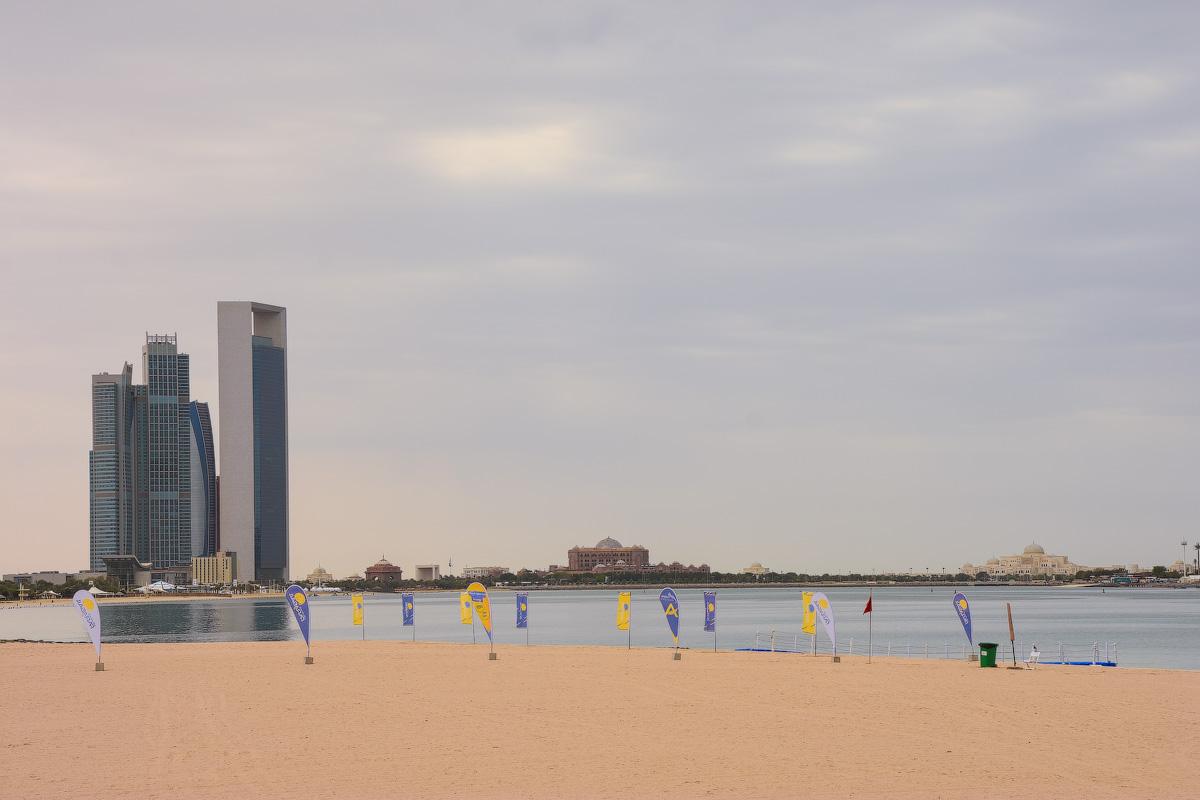 АБУ-ДАБИ: БУДНИ И ПРАЗДНИКИ НЕФТЯНОЙ АРХИТЕКТУРЫ Abu-Dhabi-Architect-(14)