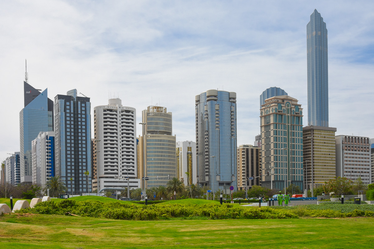 АБУ-ДАБИ: БУДНИ И ПРАЗДНИКИ НЕФТЯНОЙ АРХИТЕКТУРЫ Abu-Dhabi-Architect-(2)