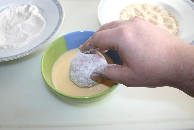 12 - Mit Eimasse bedecken / Cover mit whisked egg