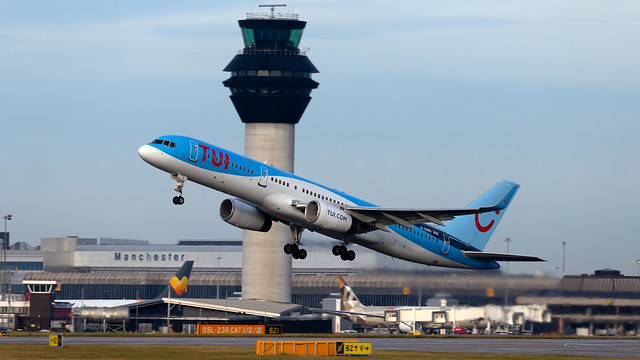 TUI Airways Boeing 757-28A G-OOBD