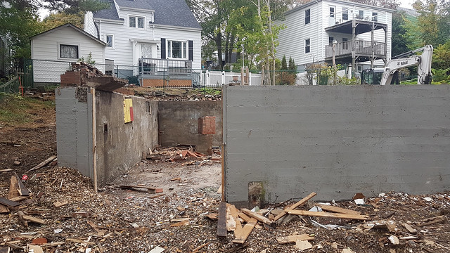 Demolition of 2405 Roosevelt Drive