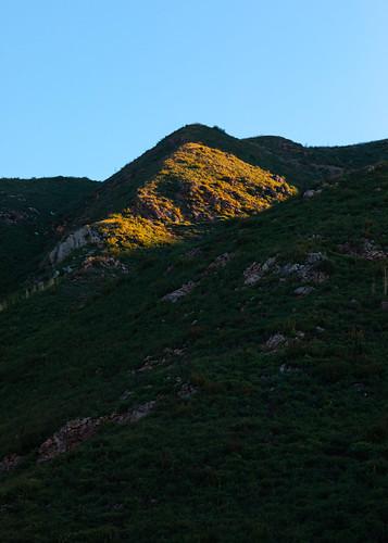 california malibu landscape unitedstatesofamerica bluesky westcoast morning mountains nature vertical sunrise clearsky canonef135mmf2lusm canoneos5dmarkiv
