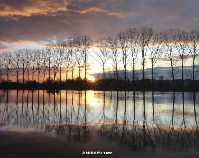 Sonnenuntergang an der Wertach