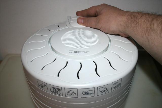 26 - Dörrautomat einschalten/ Turn on dehydrator