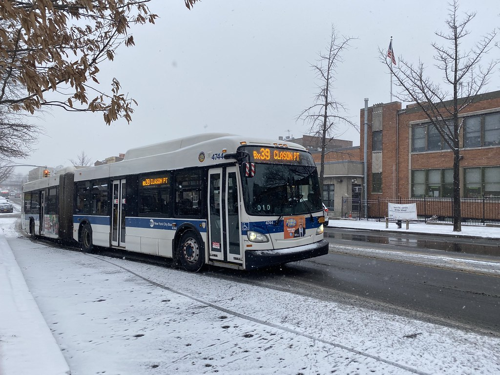 2012 New Flyer XD60 4744 - Bx39 To Clason Point
