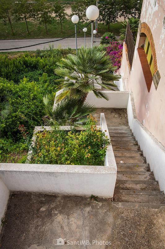 Escalinata del Carrer de Sant Isidre a la Ronda del Sud en Olivella