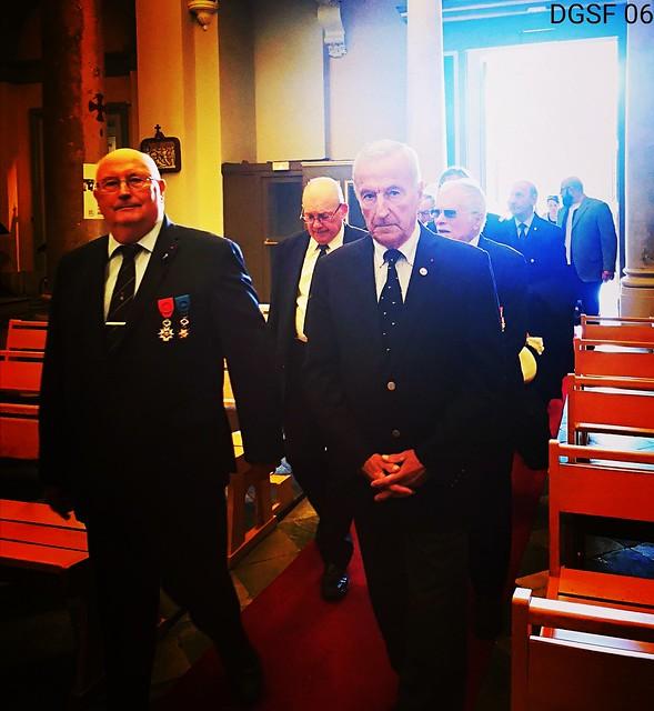 Avec le général Choux, président de la Légion d'Honneur, lors de la messe du Souvenir Français à l'église de Saint Jean-Baptiste le Vœu à Nice le 02 novembre 2019  #messe #messa #eglise #church #chiesa ⛪ #nizza #ilovenice ❤ #recueillement #sa