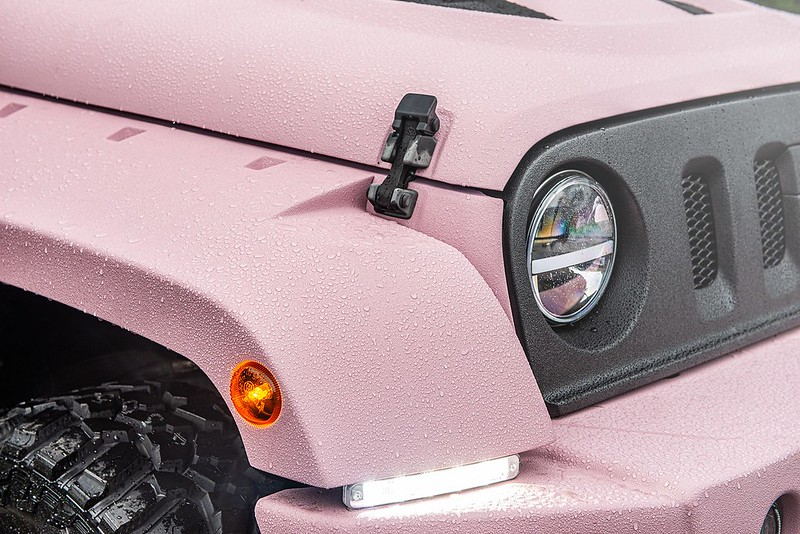 pink-jeep-wrangler-kahn-tuning-11