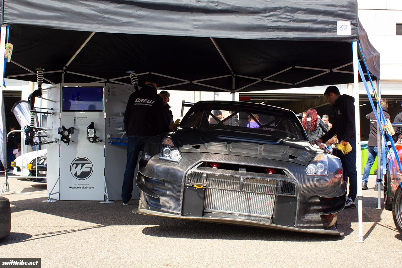 Nissan GTR in full carbon