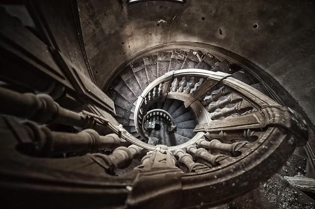 Le château de l'escalier aux milles facettes