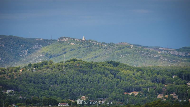 Sant Miquel d'Olèrdola desde el Castell Vell d'Olivella