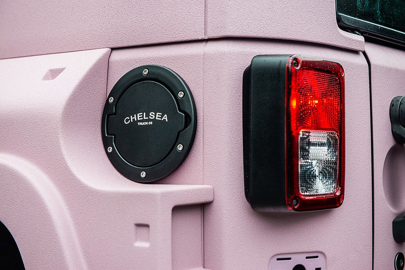 pink-jeep-wrangler-kahn-tuning-9