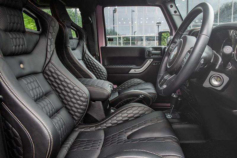 pink-jeep-wrangler-kahn-tuning-23
