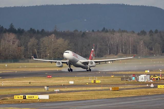 Swiss A330-300 HB-JHI departing ZRH/LSZH